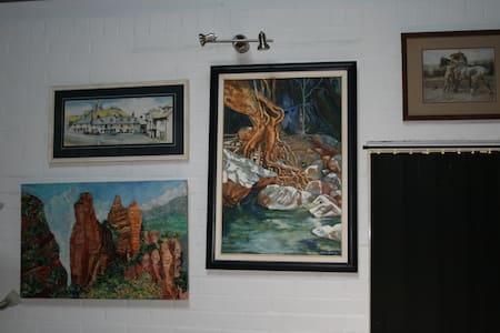 Naomi Grant Art Studio - Belhus