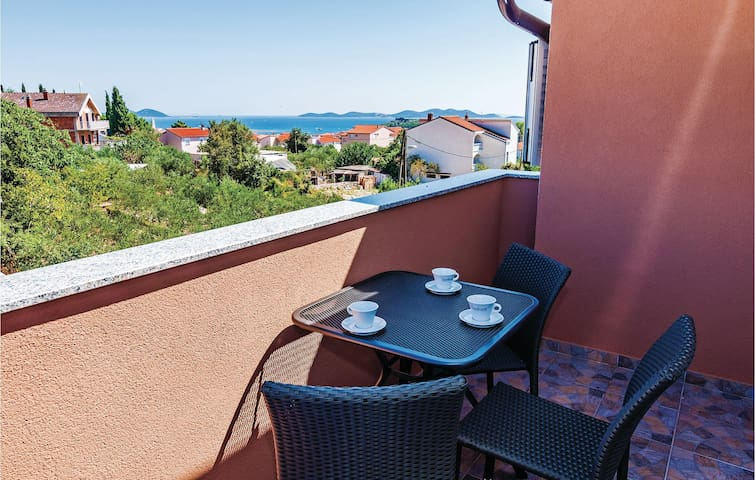 Holiday apartment with 2 bedrooms on 63m² in Pakostane