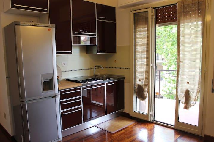 Appartamento con terrazzo coperto - Albisola Superiore - Bed & Breakfast