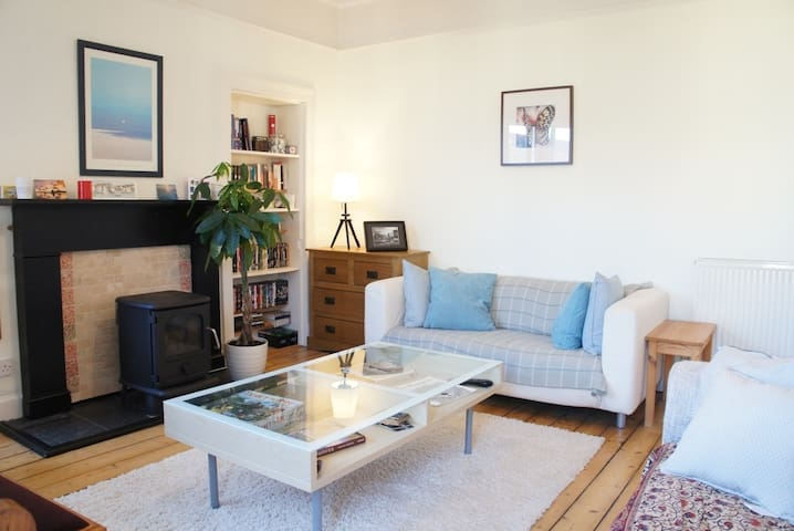 Lovely Cosy Character Flat in Edinburgh