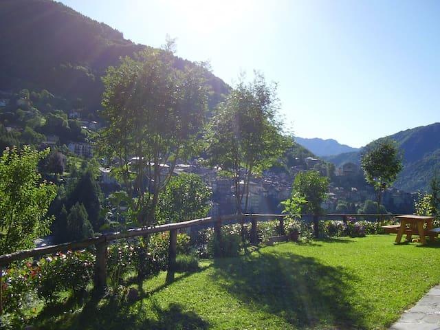 Chalet immerso nel verde - Bagolino - Blockhütte