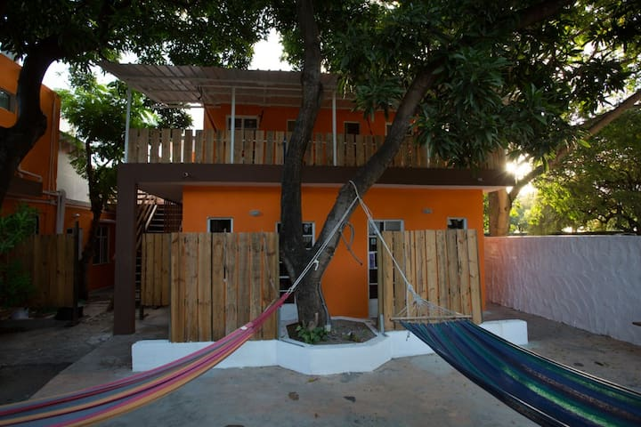 Chez Jacques - Single Room with Fan - Tamarin - Bed & Breakfast