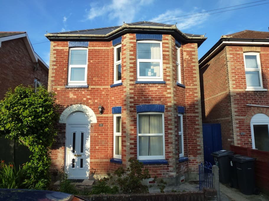 Modernised Victorian detached 5 bedroom house