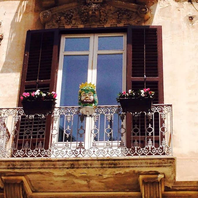 Casa delle zie houses for rent in modica sicily italy for Piani casa in stile key west