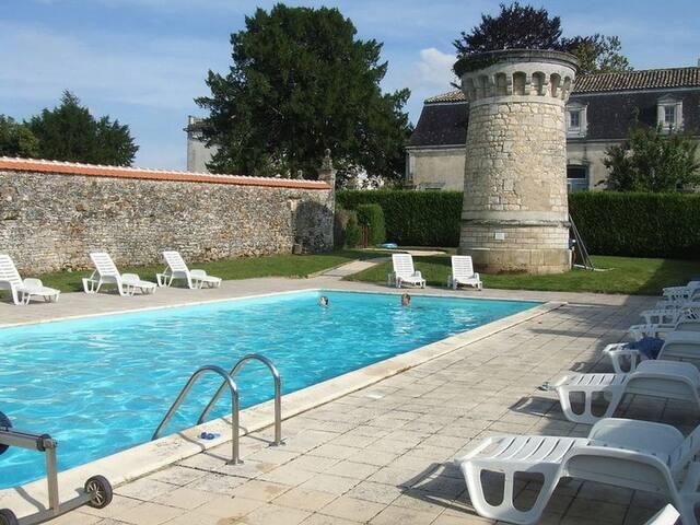 Le Chai, Chateau de Charras, Family Friendly