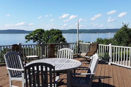You'll love the house and the views of Lake Pepin! - Lake City - 独立屋