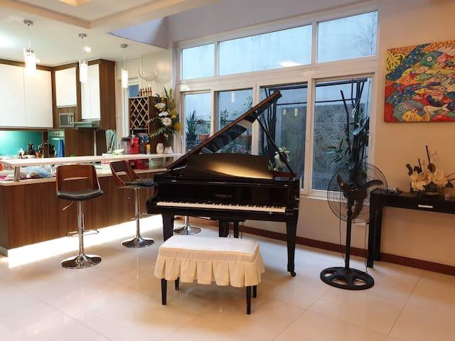luxury sharing house