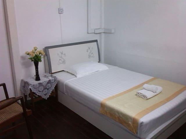 Single with shared bathroom 2 - Yangon
