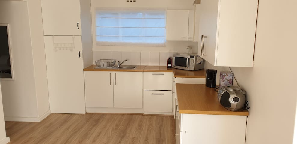 SELF CATERING ONE BEDROOM FLAT