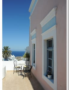 Marcos Rooms- 3 Bed Private  - Thira