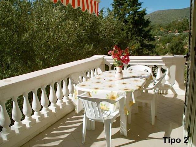 Villa Bifulco, a picco sul mare - Marina di Camerota - วิลล่า