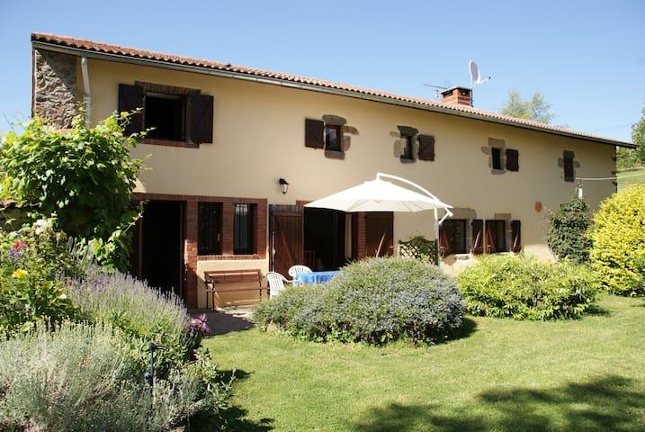 Gite Les Hirondelles Chabanol - Saint-Étienne-sur-Usson