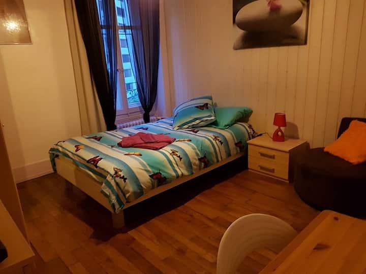 A6C1 Superbe chambre centrée