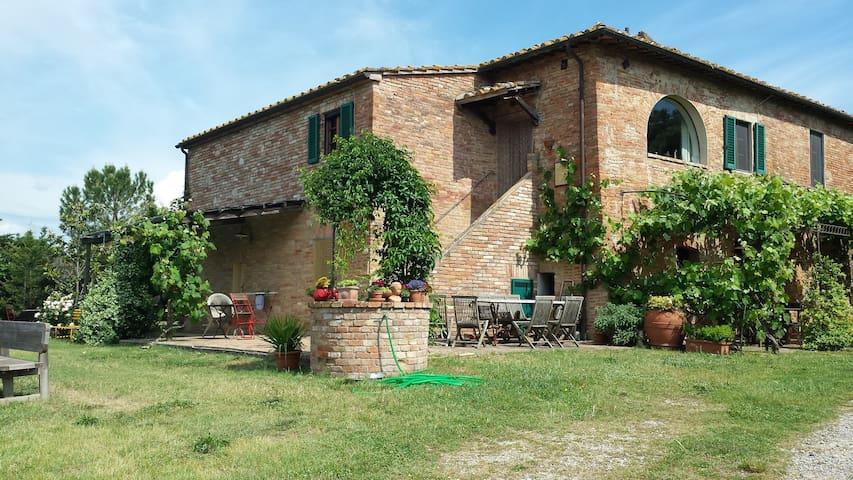 Landhaus, Podere Santa Croce, Siena - Siena - Apto. en complejo residencial