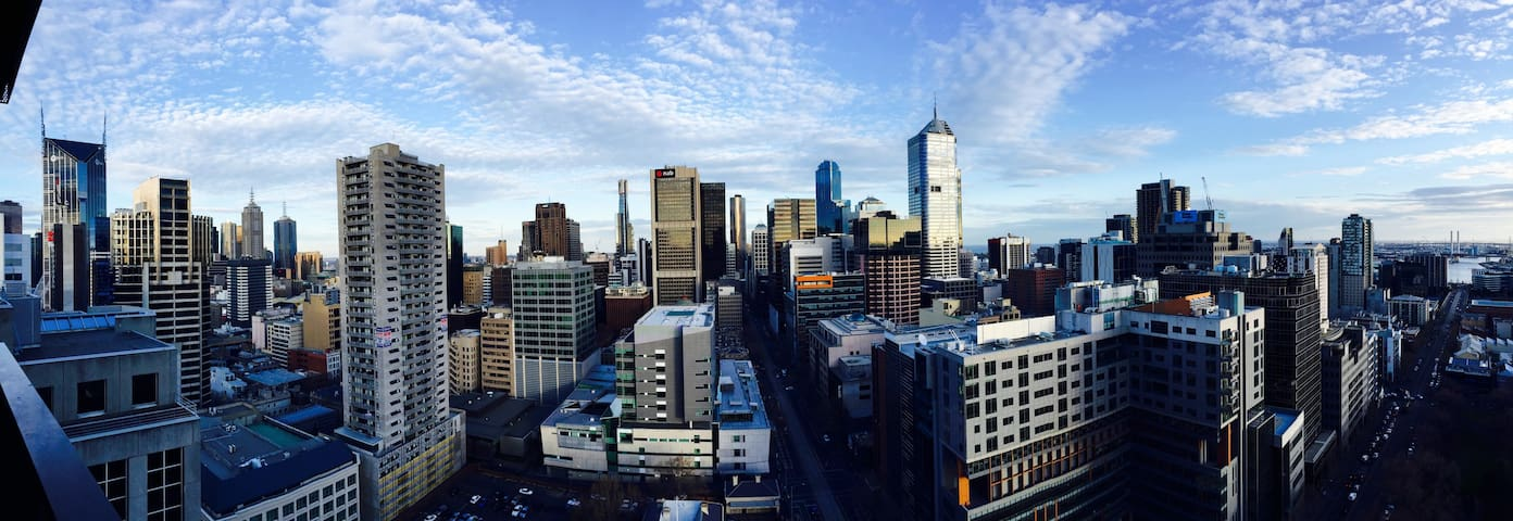 A cosy studio apartment in CBD with awesome view