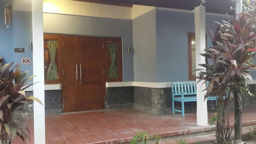 Room for Rent in the city - Kediri - Hus
