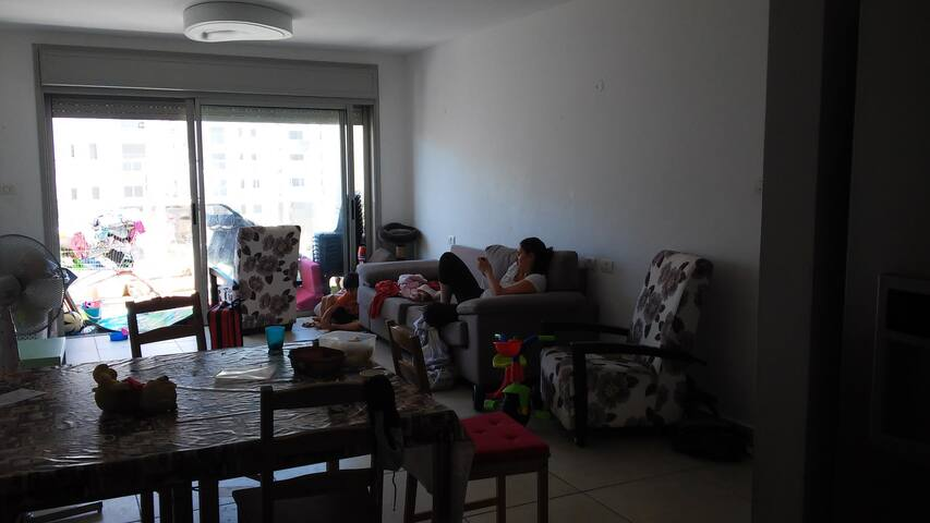 Living room and dining area for 8 diners