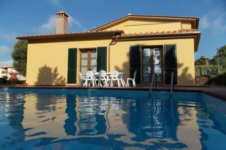 Stanze in villa con ingresso autonomo - Scarperia e San Piero
