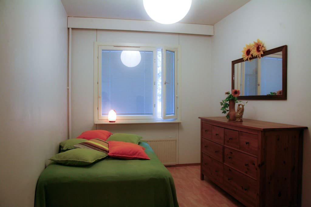 Bedroom with double-bed. Linen and towels are included, you don't have to bring your own.