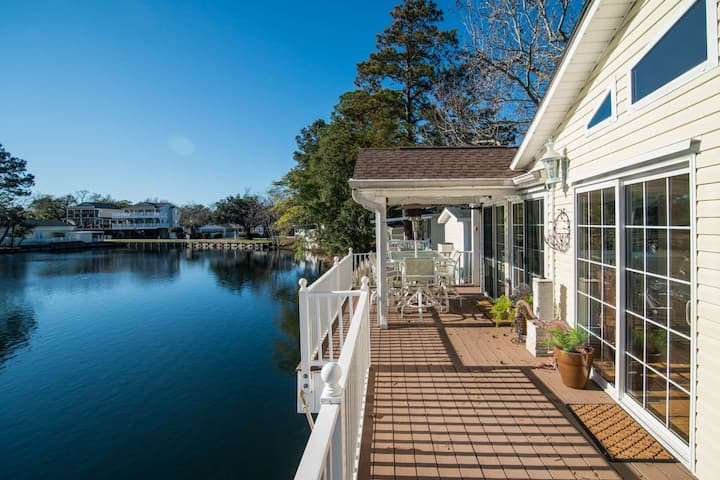 Ocean Lakes Lakefront Palace - Private Hot Tub & Golf Cart Credit Included!