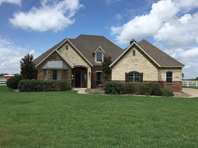 Wesel Micro Ranch: Large Space-Long Term Renter - Forney - Casa