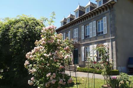 Maison de maître près Aurillac - Rumah