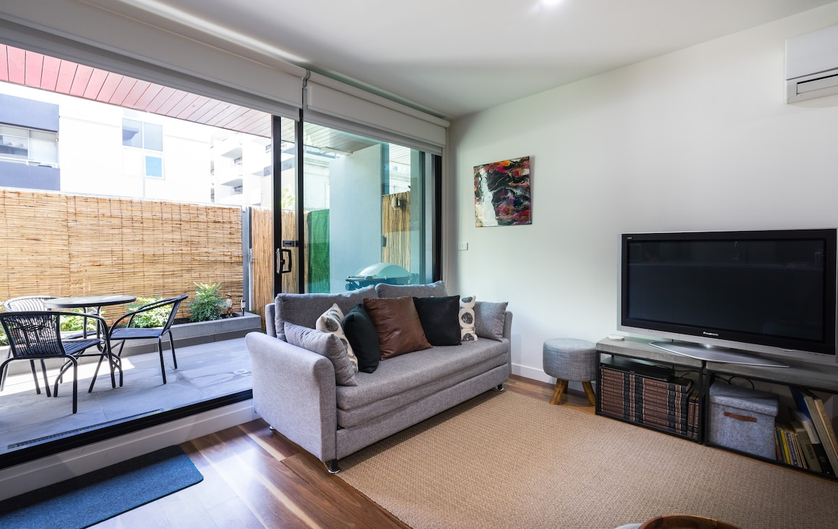 Go4 Port Melbourne Apartments   Condominiums For Rent In Port Melbourne ,  Victoria, Australia
