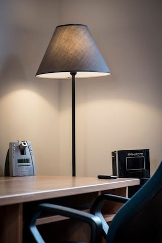 bureau slaapkamer 2