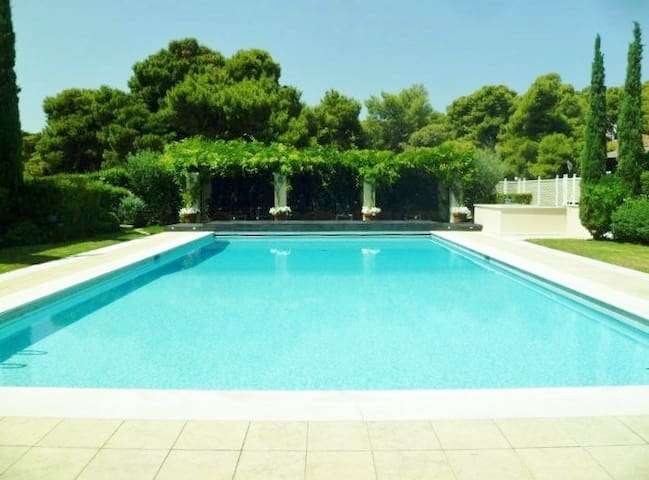 LUXURY BEACH FRONT MAISONETTE WITH SWIMMING POOL