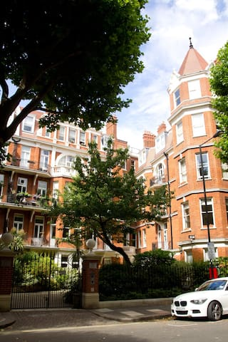 Mansion Flat in Kensington - London - Lägenhet