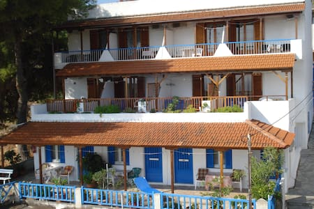 www.ethra.gr (rooms to let in Alonisos island) - Alonnisos - Gästehaus