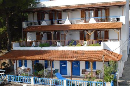 www.ethra.gr (rooms to let in Alonisos island) - Alonnisos - Konukevi