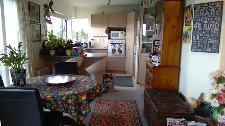 Stanmore Bay Garden Home - Bed & Breakfast