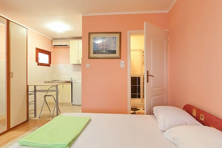 "Apartments ""JUNGI"" on sunny coast - Pis"