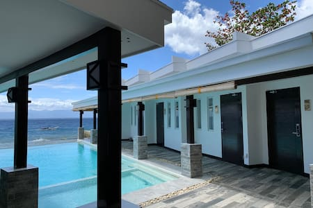 Alegria Water Front Beach House-Sea View Room 1