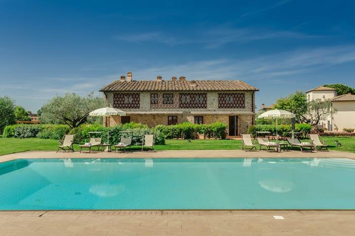 Romantic apartment in Chianti !!