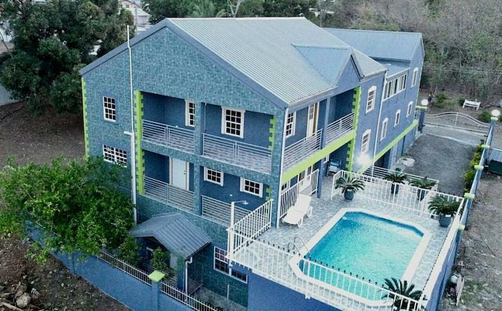 Sampson Suites - One-bedroom Loft Apartment B