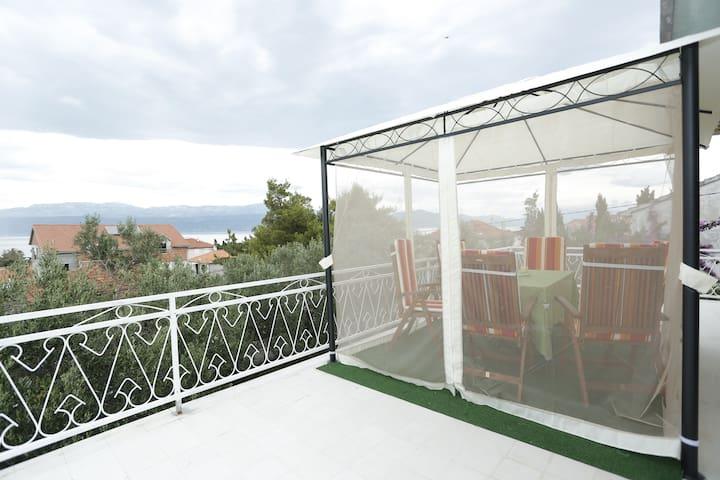 Cozy and quiet sea view apartment - Supetar - Daire