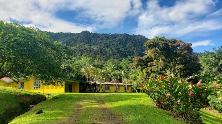 Casa Jardin Atirro