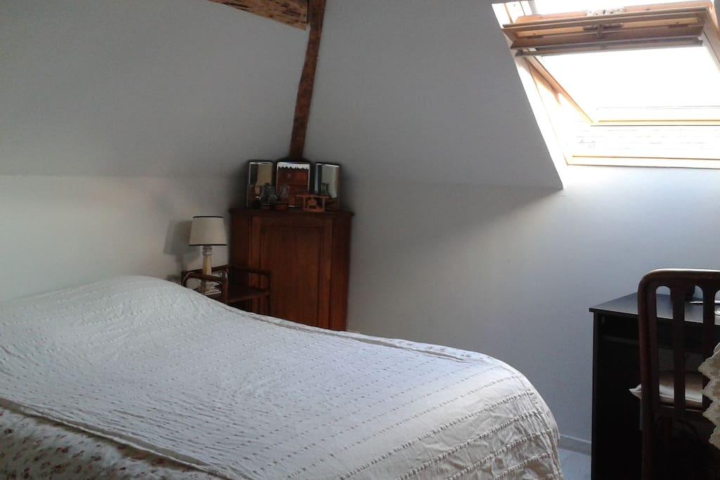 Chambres dans une maison familiale maisons louer - Chambres mansardees ...