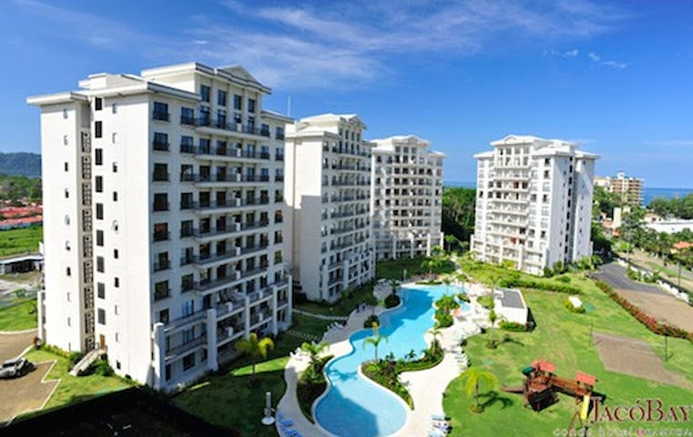 SPACIOUS 3 BEDROOM OCEANVIEW + POOL - Jaco - Apartment