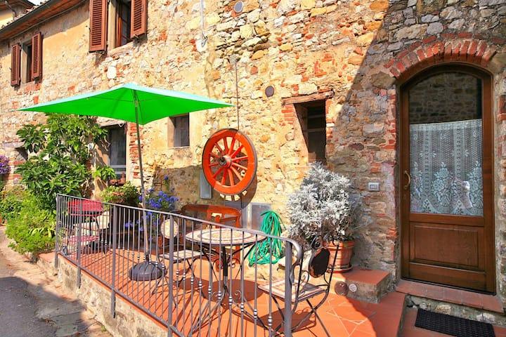 La Ruota - Appartamento per vacanze nel borgo di Duddova, Chianti