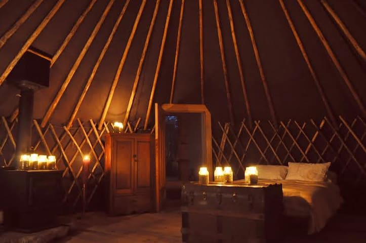 Yurt Experience in Northern Ontario - Mattawa - กระโจมทรงกลม