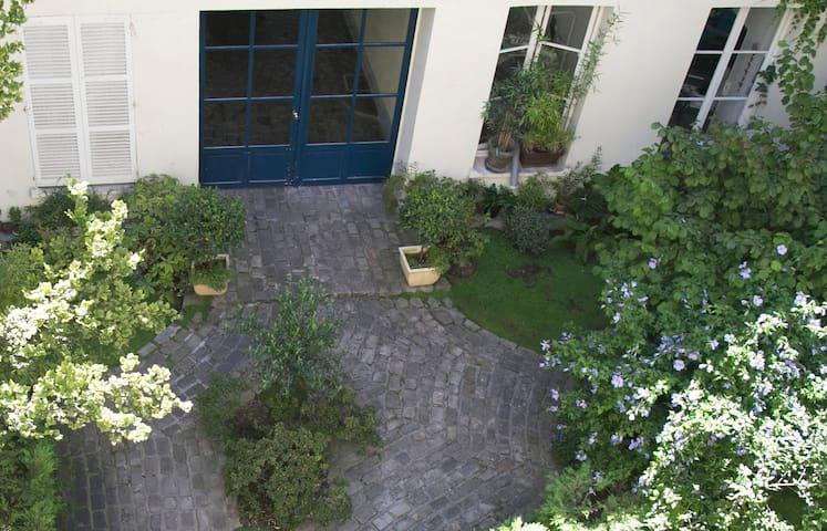 Studio dans le Marais historique