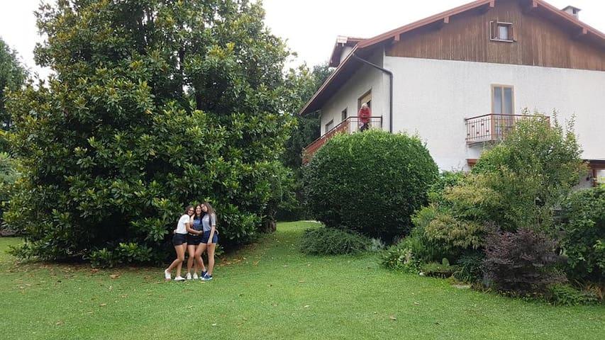 Villetta in mezzo al giardino segreto
