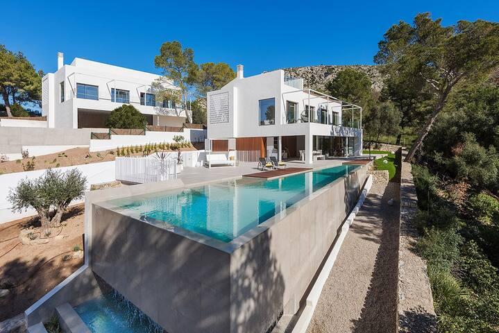 Views-Brand New Luxury Villa Infinity Pool & Views