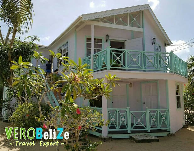 3bd House in Village, 30 seconds walk to the beach