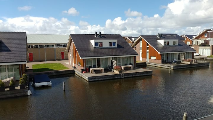 Holiday Home at the waterfront, Amsterdam area