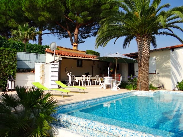 Camera Bed&Breakfast 3* con piscina - Mentone - Bed & Breakfast