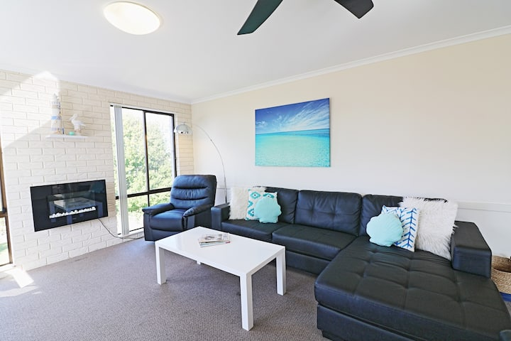 Capri Executive Apartment - Heart Of Merimbula
